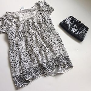 Motherhood Maternity Black and White Floral Top
